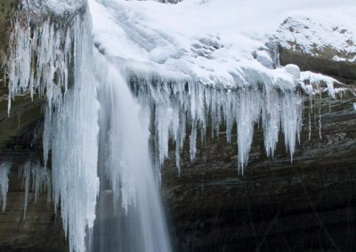 iced_waterfall_ohio