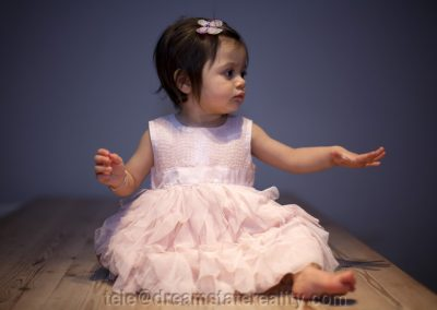 baby_cute_portrait_dress_hand_foot