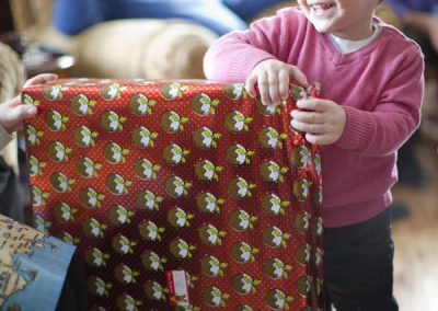boy_child_xmas_huge_christmas_present_smile