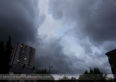 epic_brooding_storm_clouds_london_uk