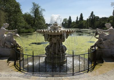 fountain_statues_water_lake_hyde_park_london_uk