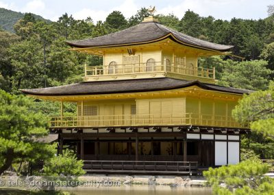 kinkaku-ji_golden_pavilion_close_kyoto_japan